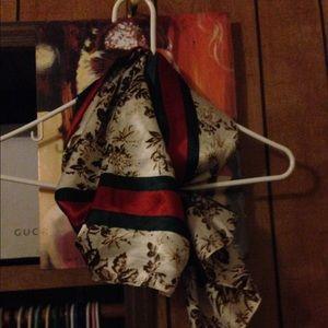 Polyester fashion scarf